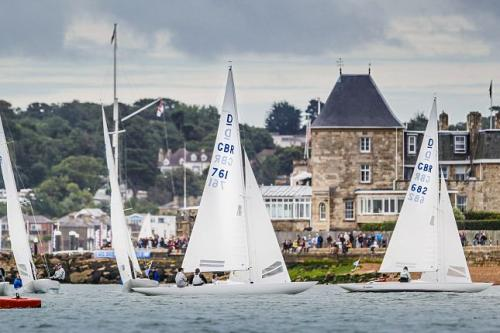 cowes week_dragons